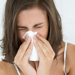 413e7a07a16528b5c8576eca05f5fbcc - Allergies: Seasonal Allergies or a Cold?
